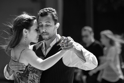 Dancers on the streets of Helsinki show us how the Tango is done. By Alf Myers Lancashire based street photographer.